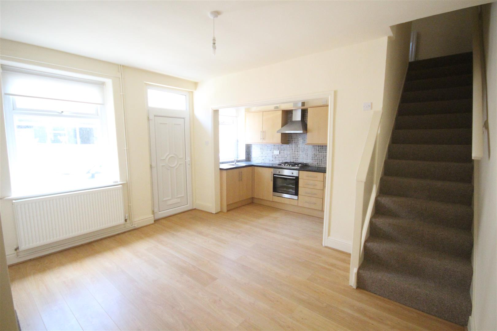 2 bedroom end terrace house To Let in Barnoldswick - Property photograph